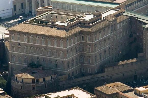 Scandalo Ior: accuse di corruzione e truffa per prelato, 007 e broker