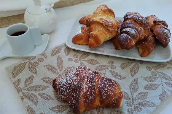 Cornetti di pan brioche al mascarpone