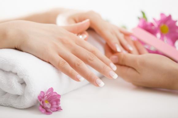 Ricostruzione unghie gel: consigli, kit e prezzi