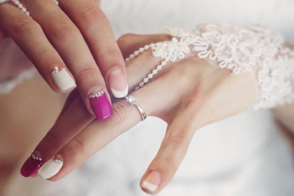 Manicure sposa: idee originali